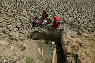 1565766725235-India-water-crisis