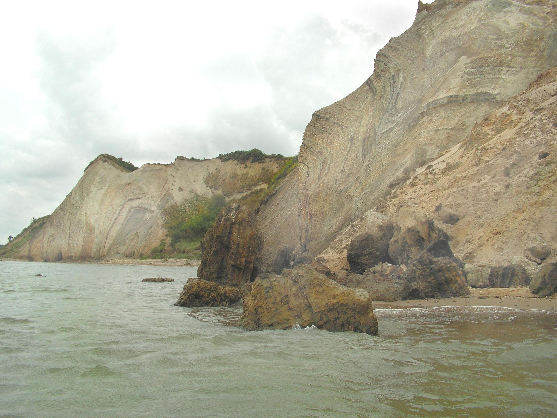 1565801759322-Fur_cliffs