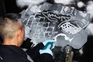 1566200795608-Vice-5_Art-carves-a-direwolf-ice-luge