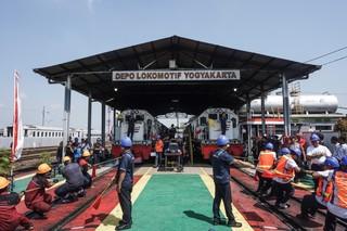 1567408843711-suasana-lomba-tarik-lokomotif-di-Depo-Lokomotif-Yogyakarta