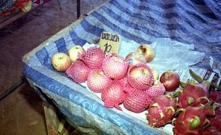 thailand-reizen-markt-dragon-fruit-appels-fotos-annabella-schwagten