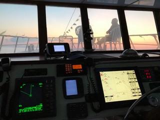 Cabina-di-comando-al-tramonto