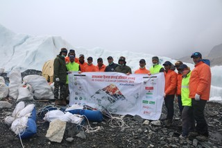 1568621263357-Cleanup-Campaign-Team-at-EBC