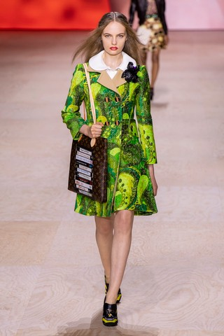 1570033283477-SS20C-LVuitton-053