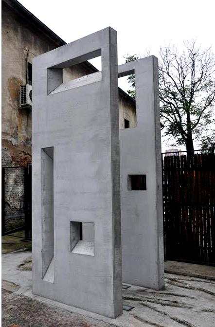 1572518105957-spomenik-jevrejskim-zrtvama-Holokausta-u-beogradskoj-Savamali
