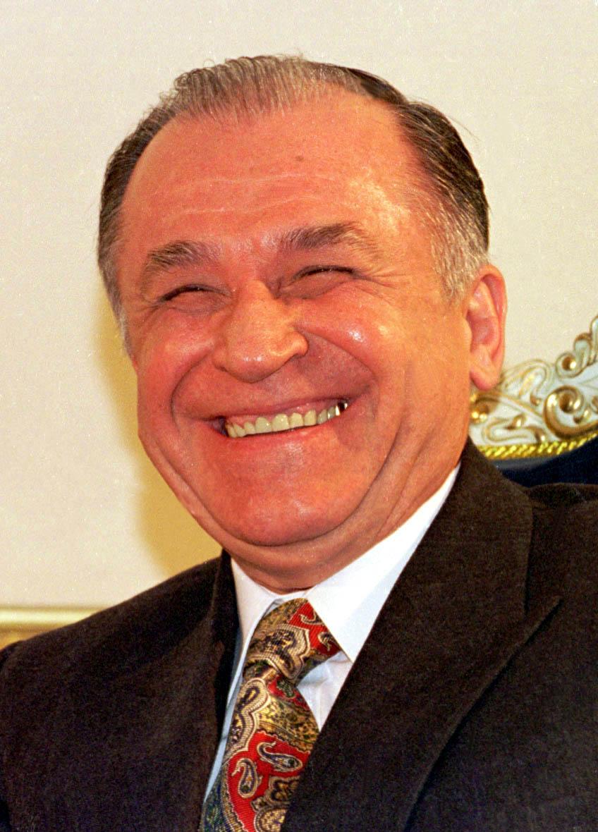 Toţi preşedinţii pe care nu i-a meritat România (decât un pic) 1573132648552-1419-Mediafax_Foto-Dragos_Cristescu