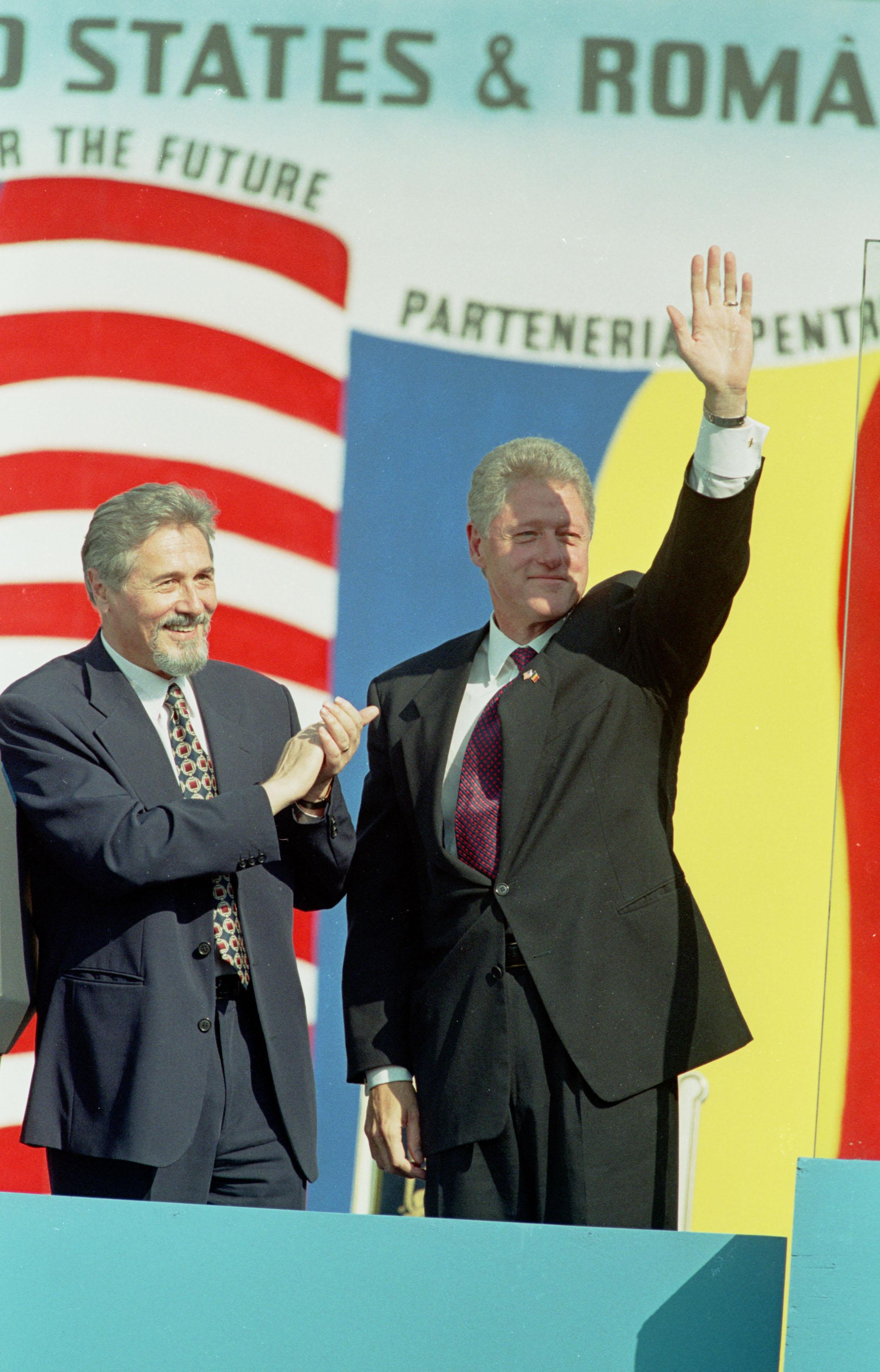 Toţi preşedinţii pe care nu i-a meritat România (decât un pic) 1573132685268-20307-Mediafax_Foto-Toni_Salabasev