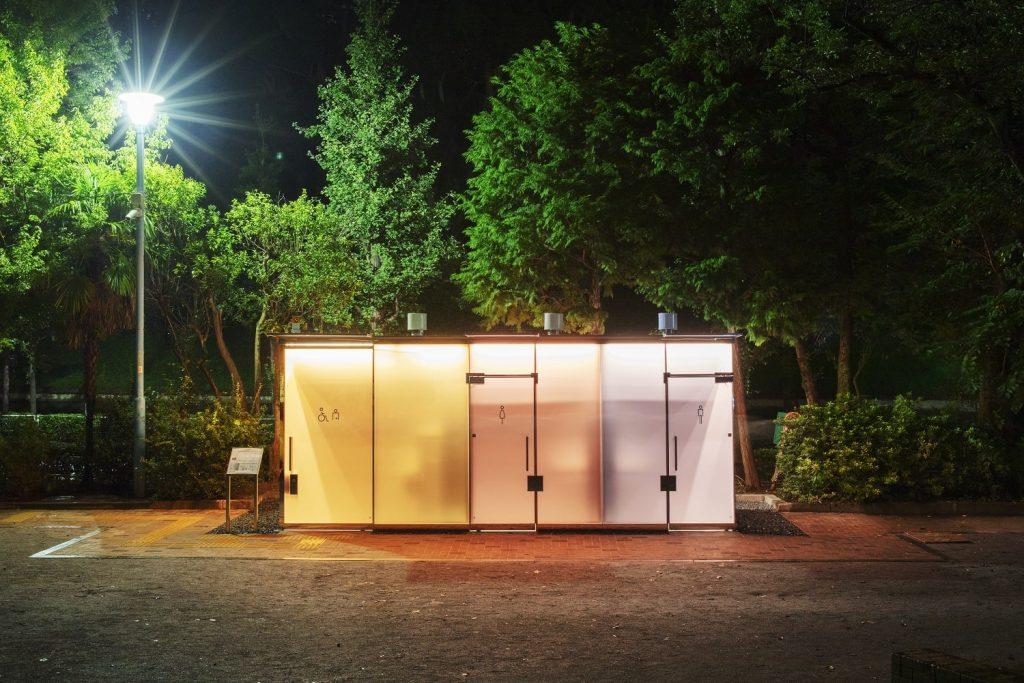 transparent-toilet-restroom-tokyo-japan-park-safety-design-architecture