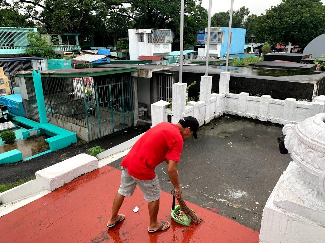 cemeteries-closed-coronavirus-all-saints-day-filipino-philippine-tradition
