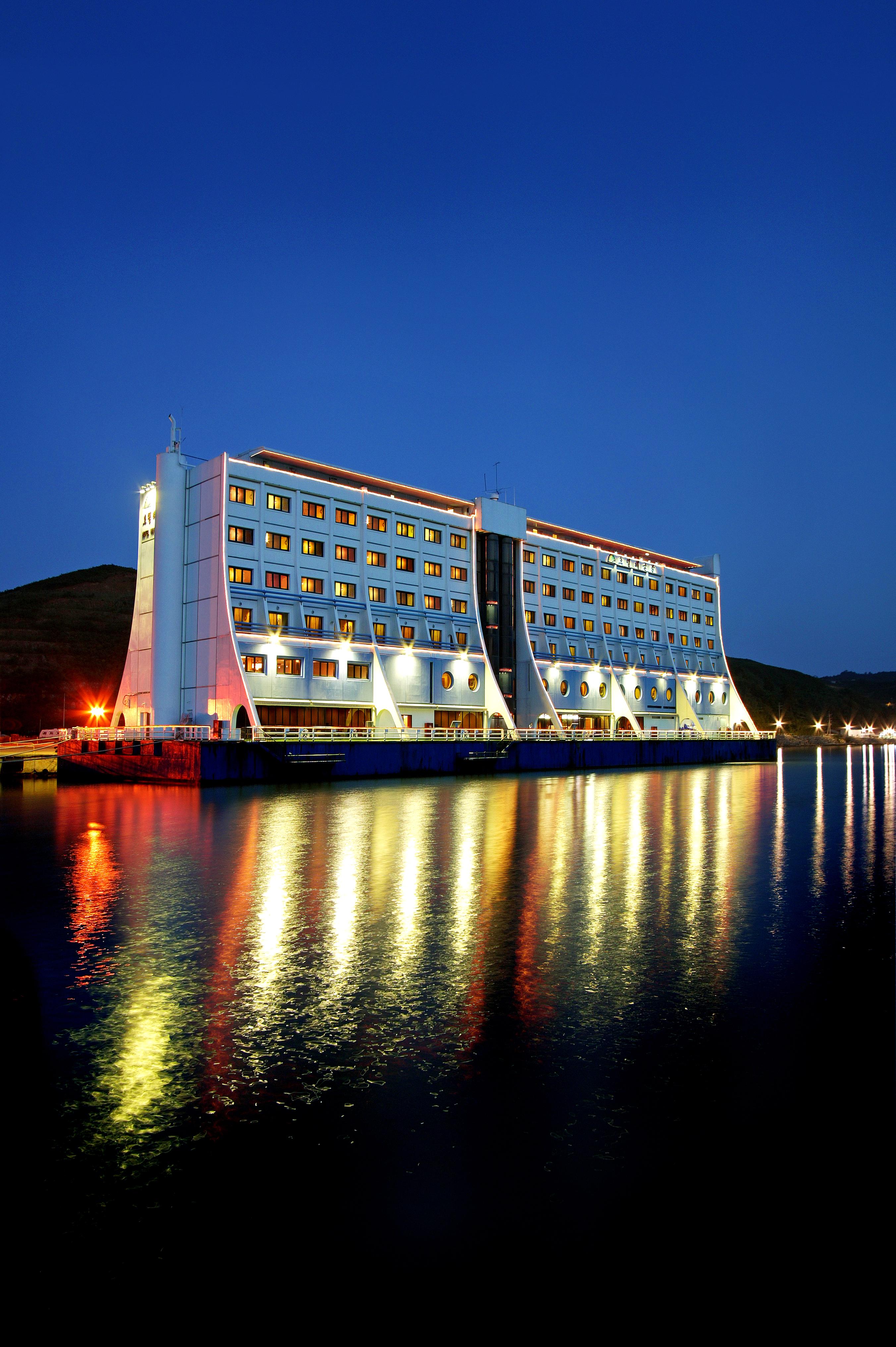 호텔해금강 야경.jpg