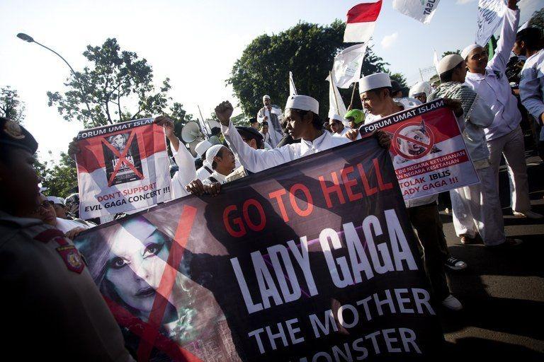 lady gaga FPI.jpg