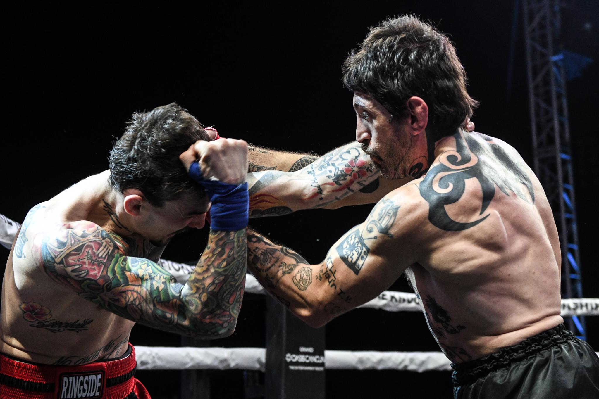 Garijo bertarung melawan Tom Shoaff.