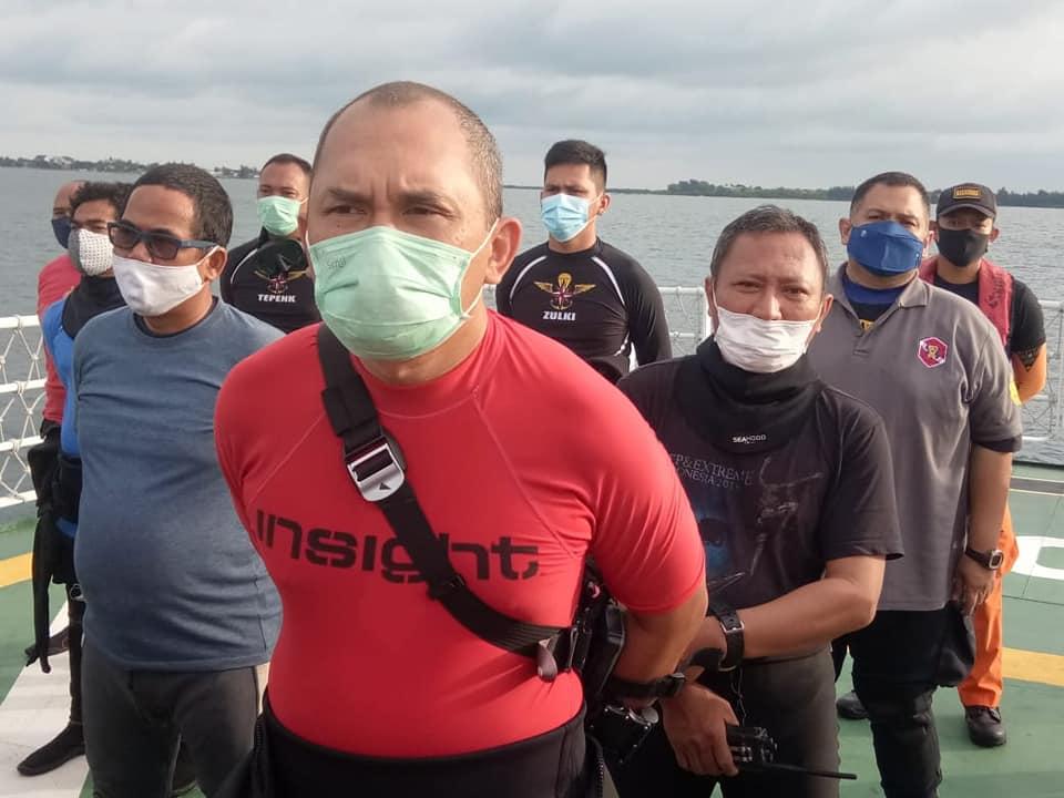 Regu penyelam sukarelawan IDRT. Foto: Indonesia Divers Rescue Team.