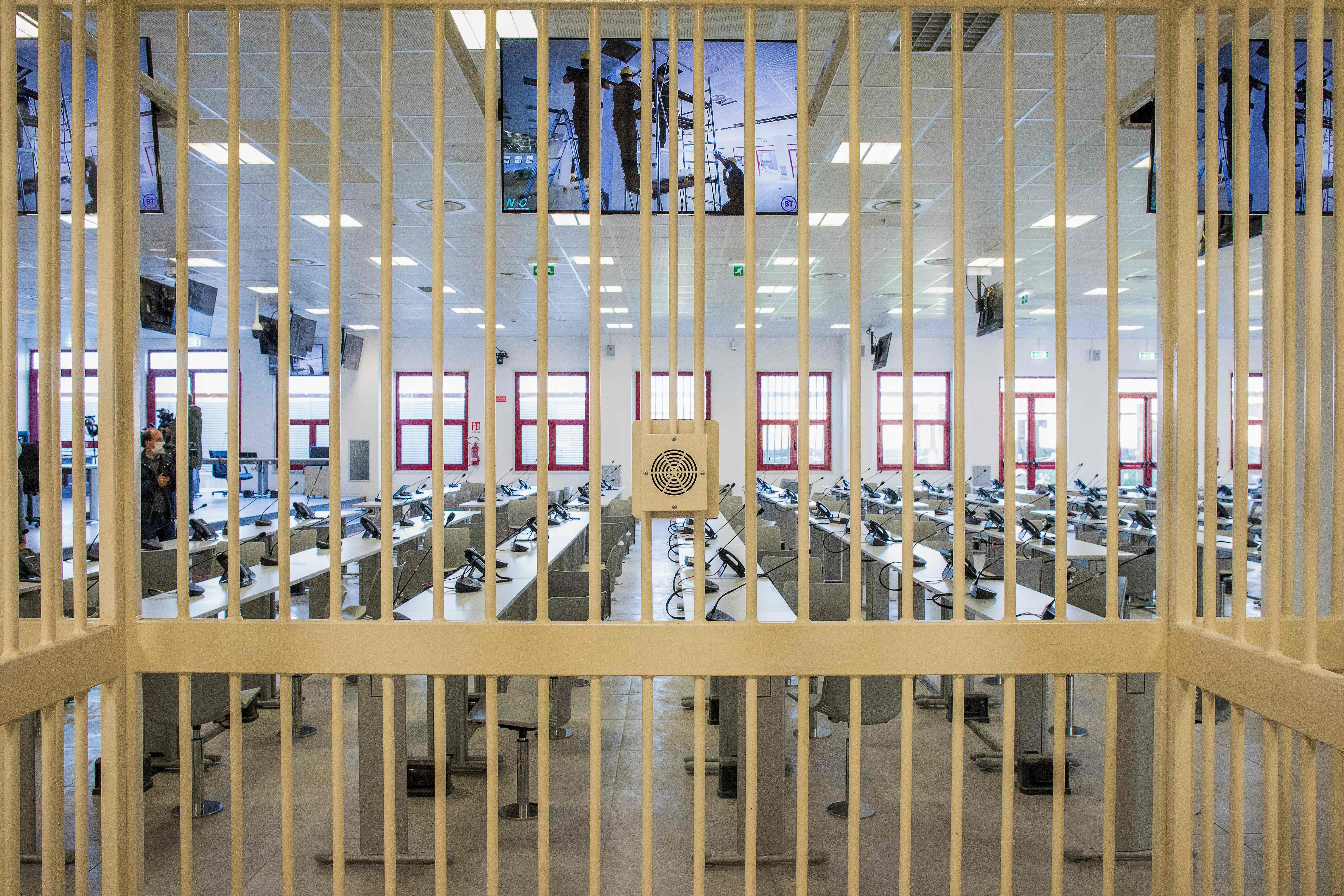 Pemandangan dari dalam sel. Foto: Gianluca Chininea/AFP via Getty Images.