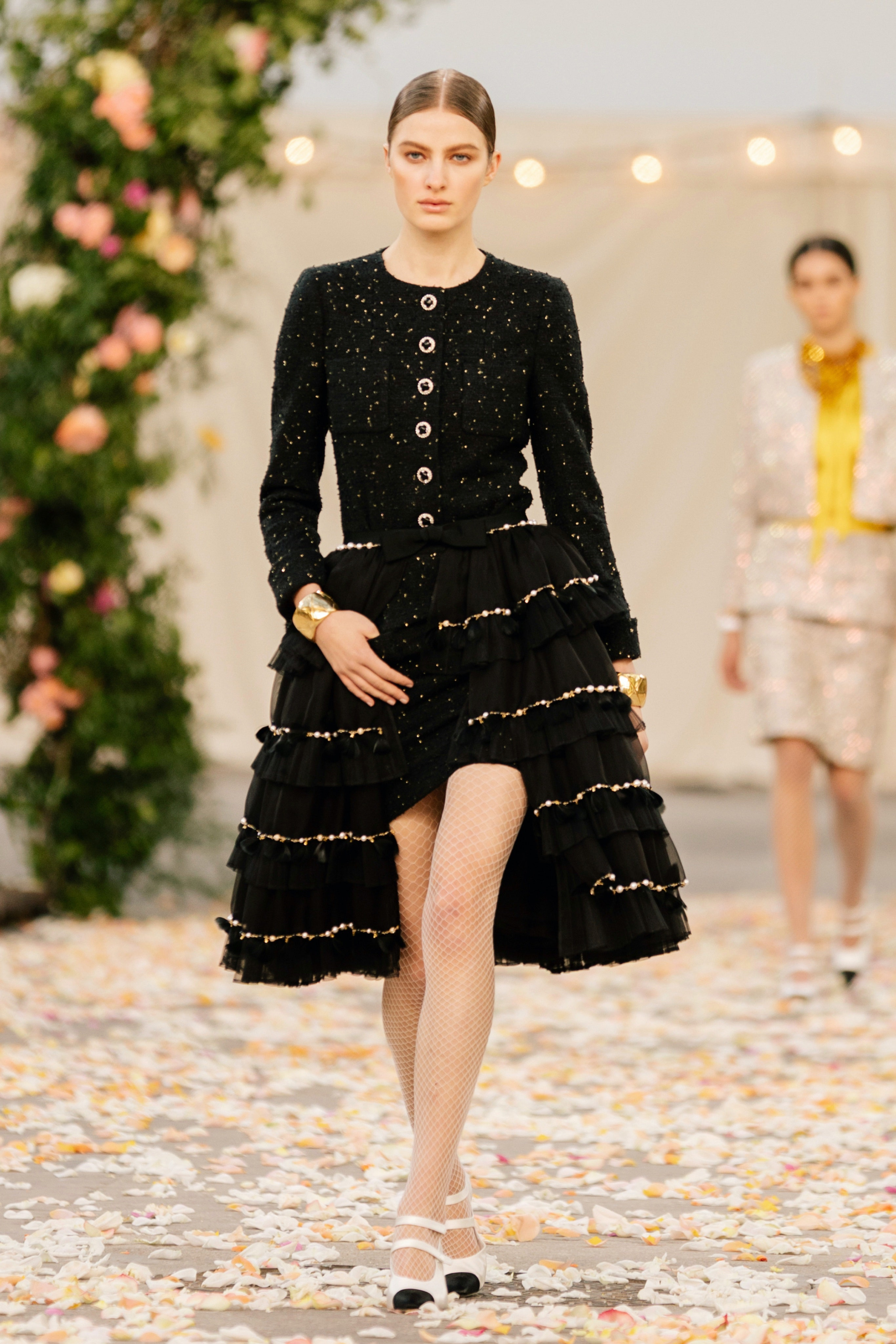 Chanel-Couture-Spring-21.jpg