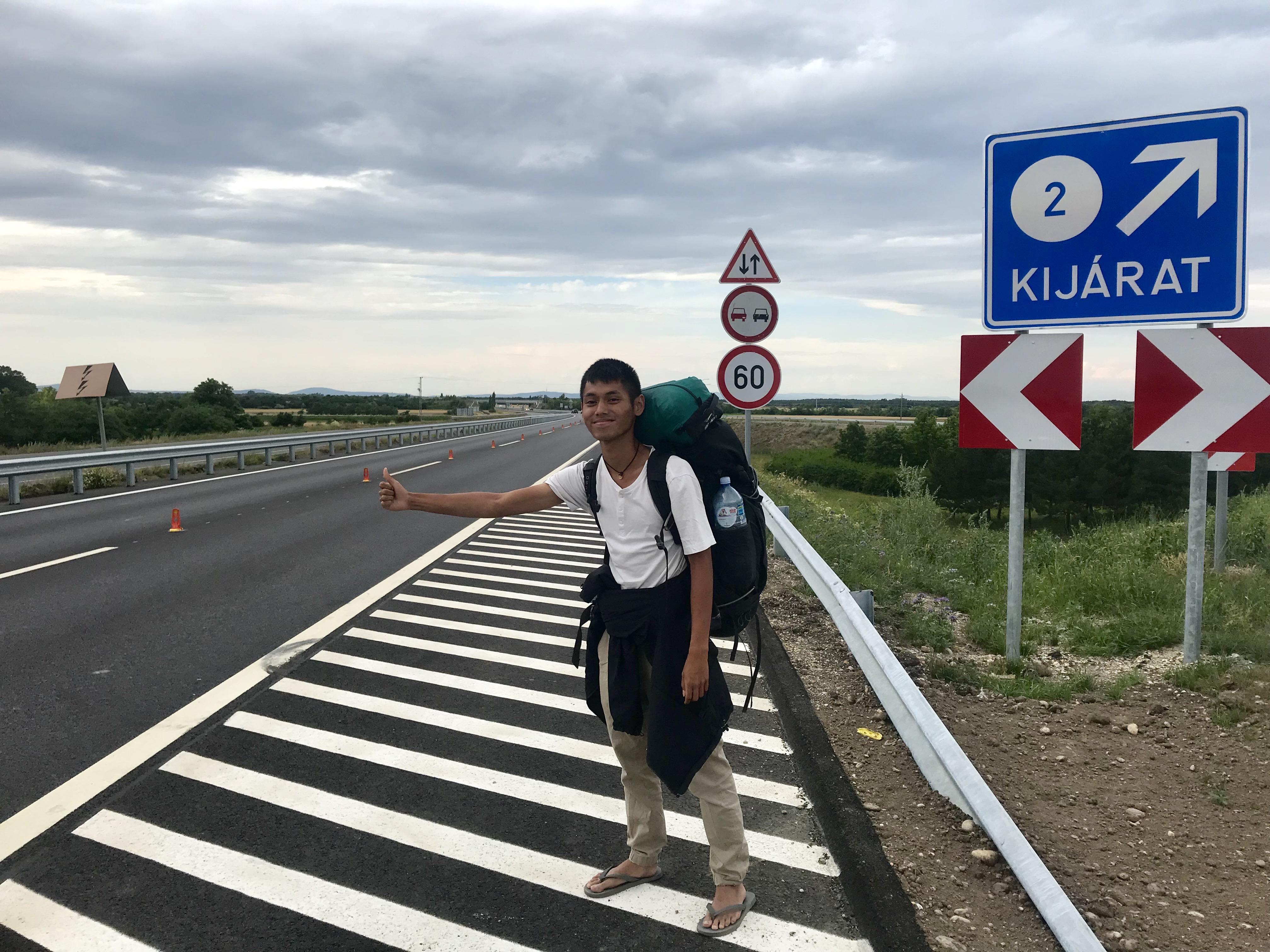 Ganesha mencari tumpangan di Republik Ceko. Dia ingin pergi ke Slovenia.