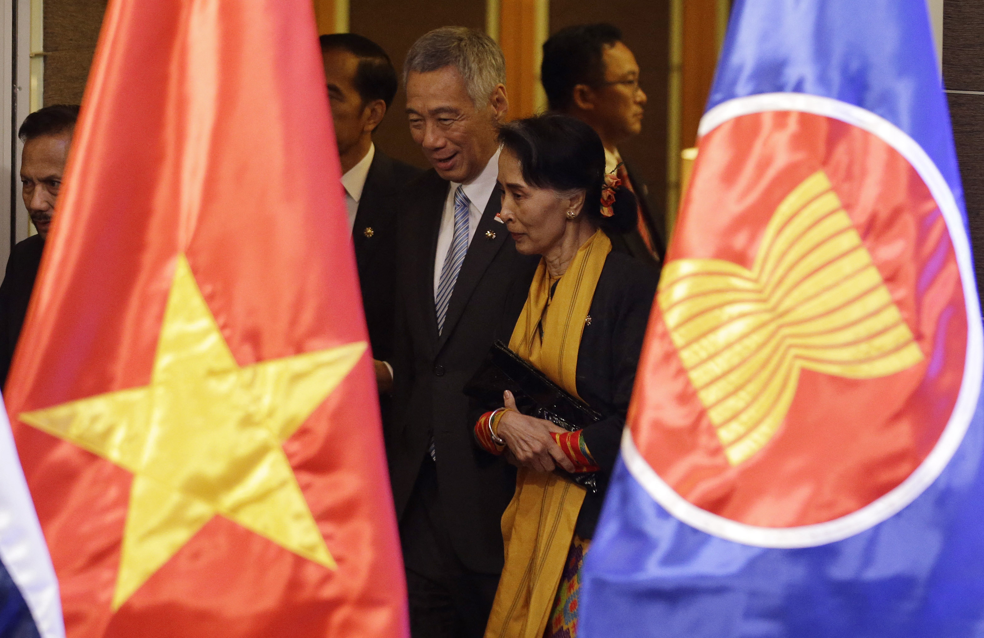 Singapore's Lee Hsien Loong and Aung San Suu Kyi on the sidelines of the 31st ASEAN summit back in 2017. AFP: Aaron Favila