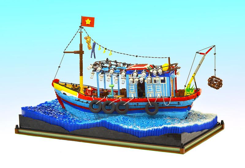 Kapal nelayan Vietnam LEGO