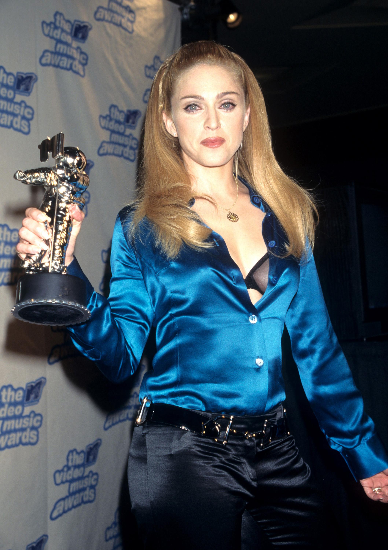 Madonna at VMAs 1995 in Tom Ford's Gucci