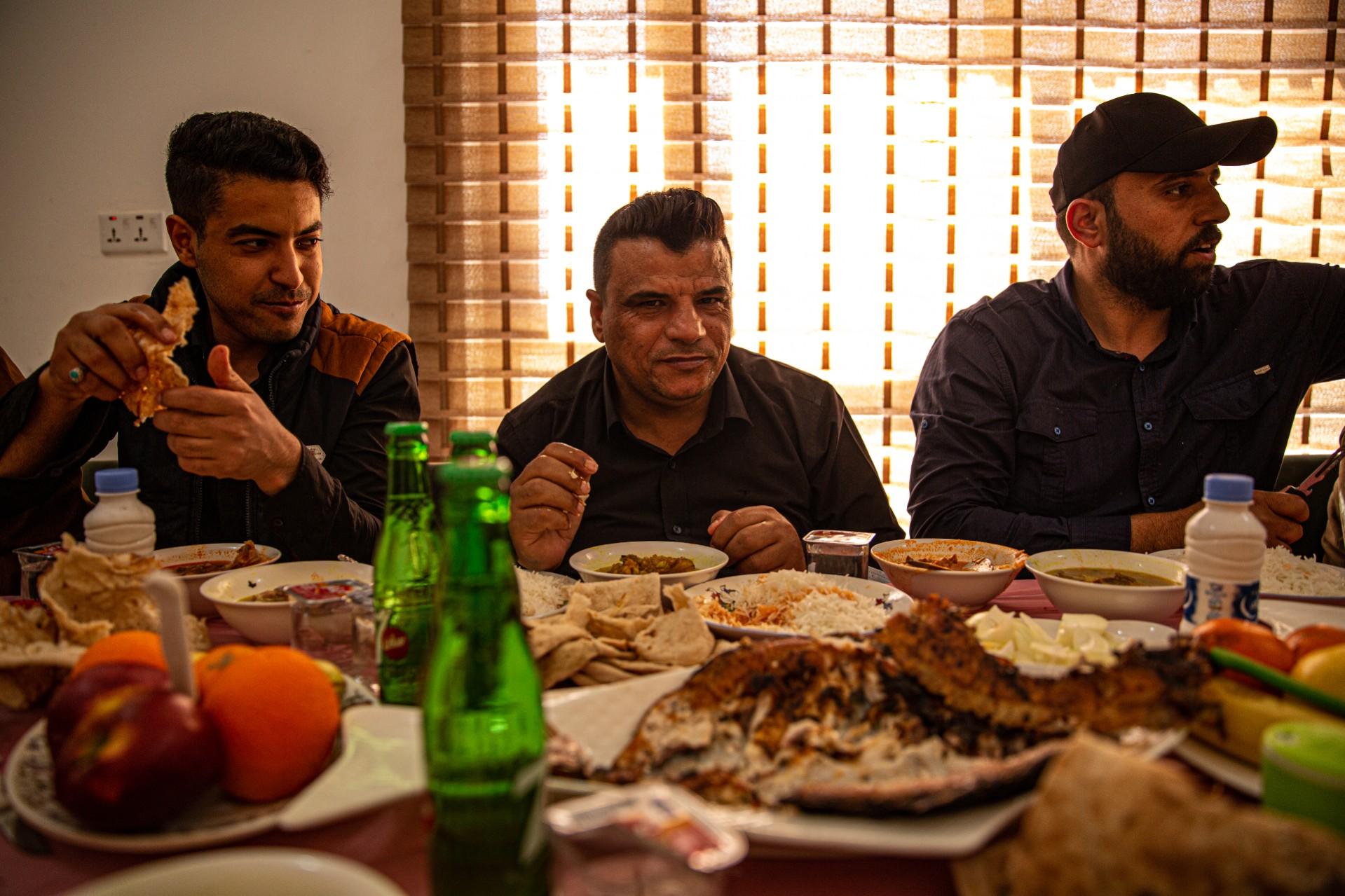 Tiga lelaki yang menjadi sopir kru VICE selama di Baghdad.