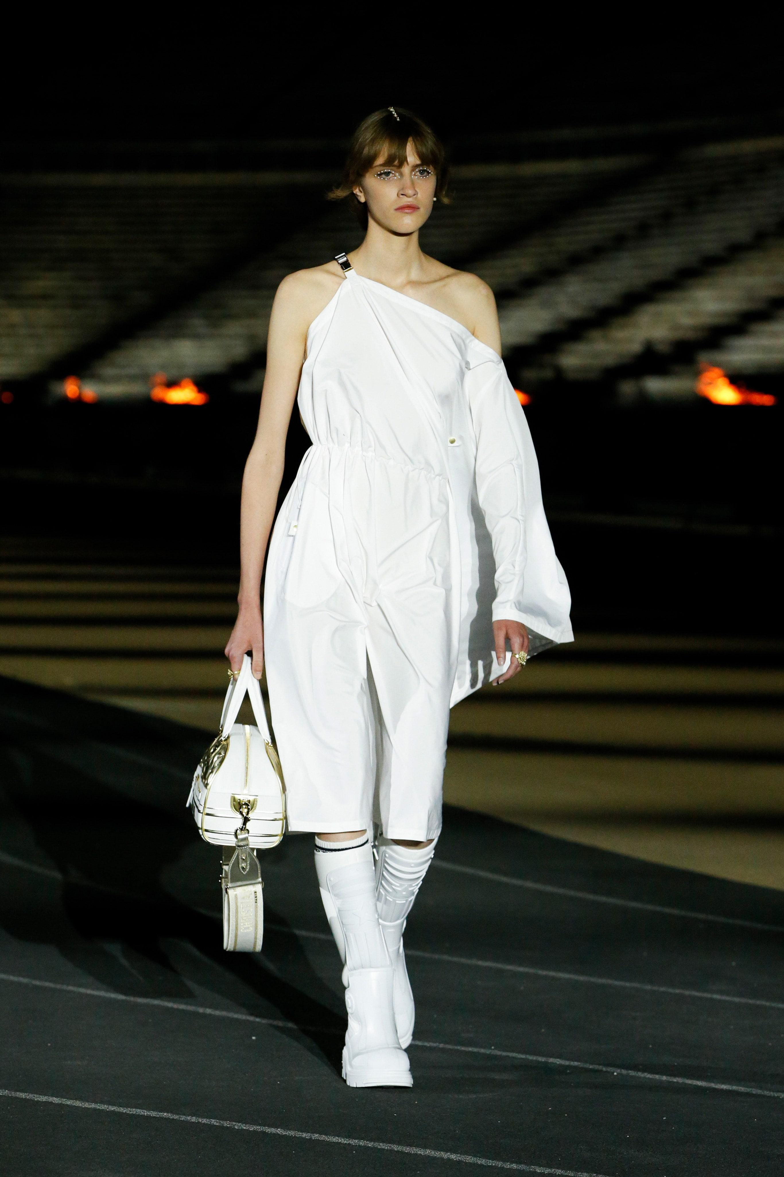 00005-Dior-Resort-2022-credit-brand.jpeg
