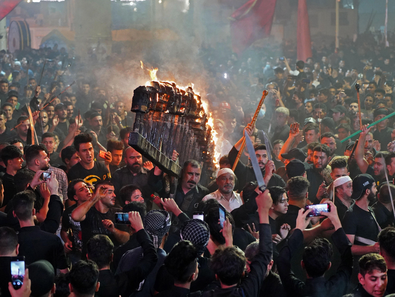 Peringatan Asyura di kota Najaf. Foto: Ali Najafi/AFP via Getty Images