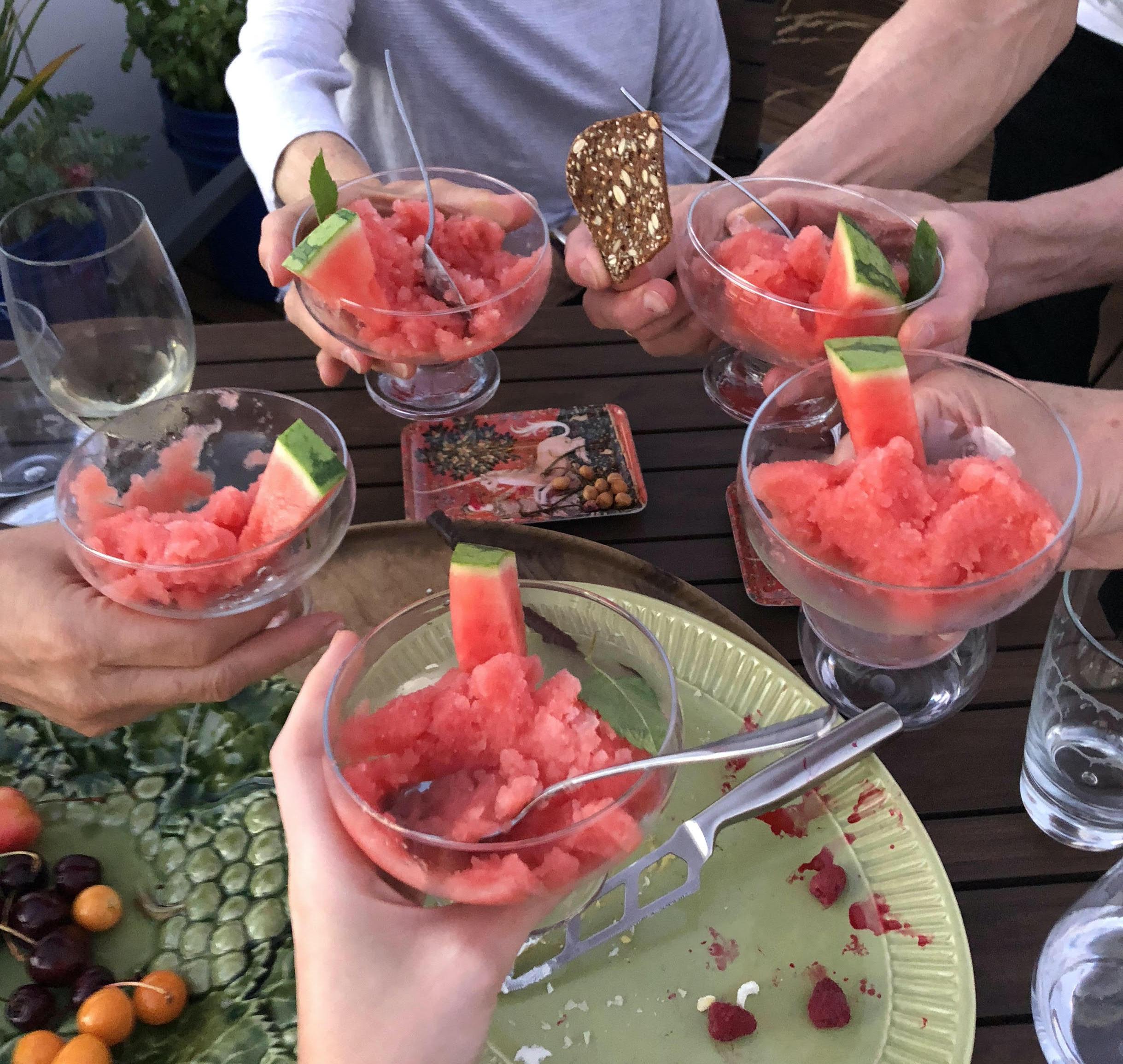 Lima gelas watermelon granita