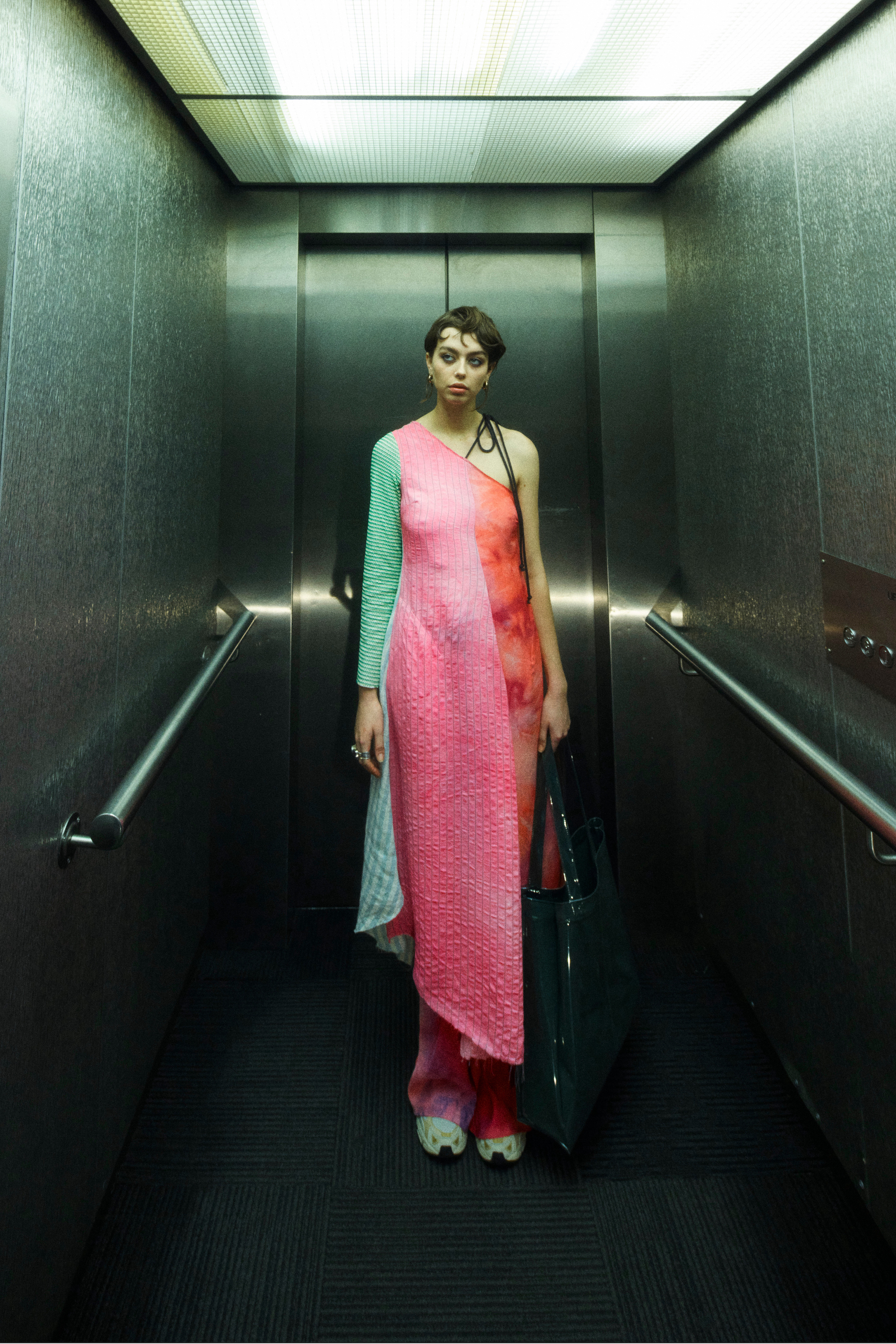 A model wearing a look from Song for the Mute SS22