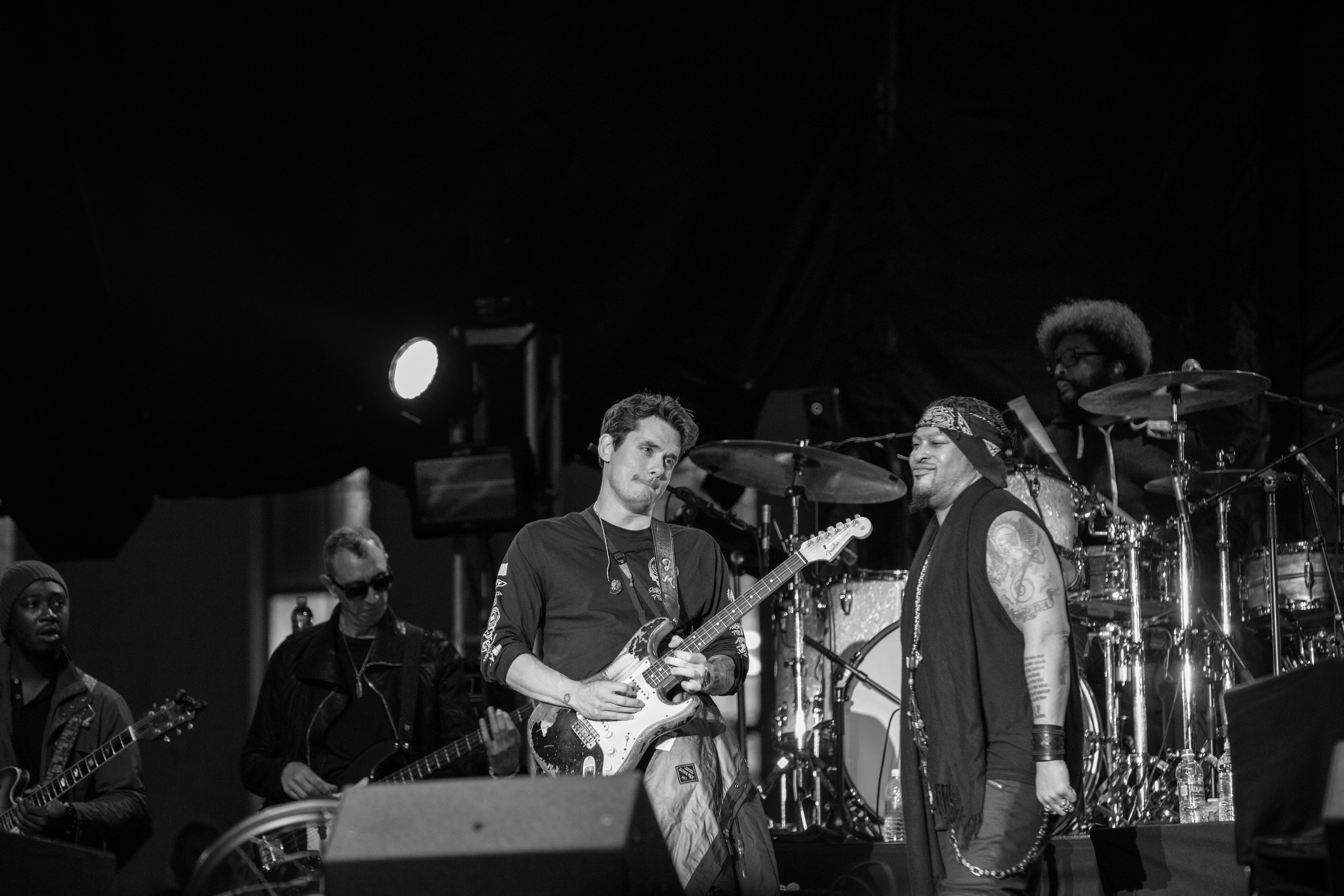 John Mayer And Dangelo Backed By The Roots Is The Dream Performance