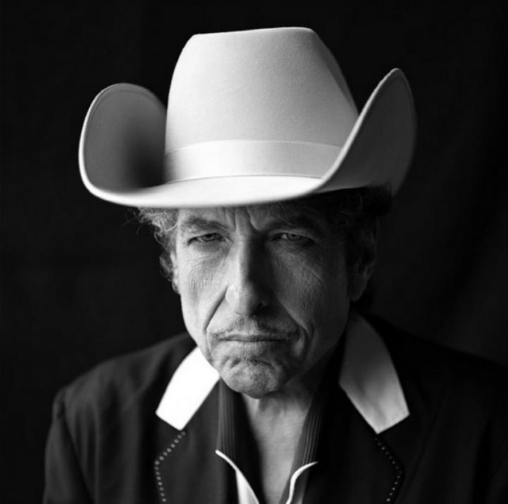 Bob Dylan Covers Sinatra Again, Announces Triple-Album, Is Wonderful