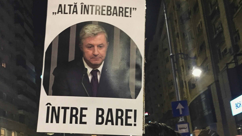 Imagini pentru pancarte protest