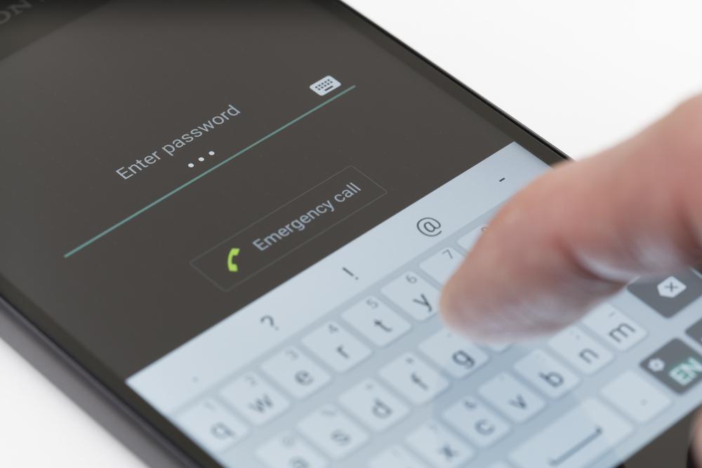 WhatsApp hacken: mit Handynummer