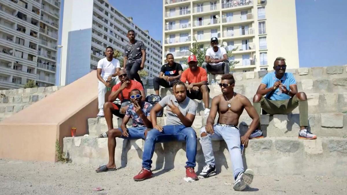 Marseille le son des quartiers nord noisey for Au dela du miroir lille
