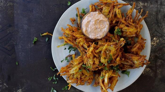 Frittierte Zwiebelbällchen (Bhaji)