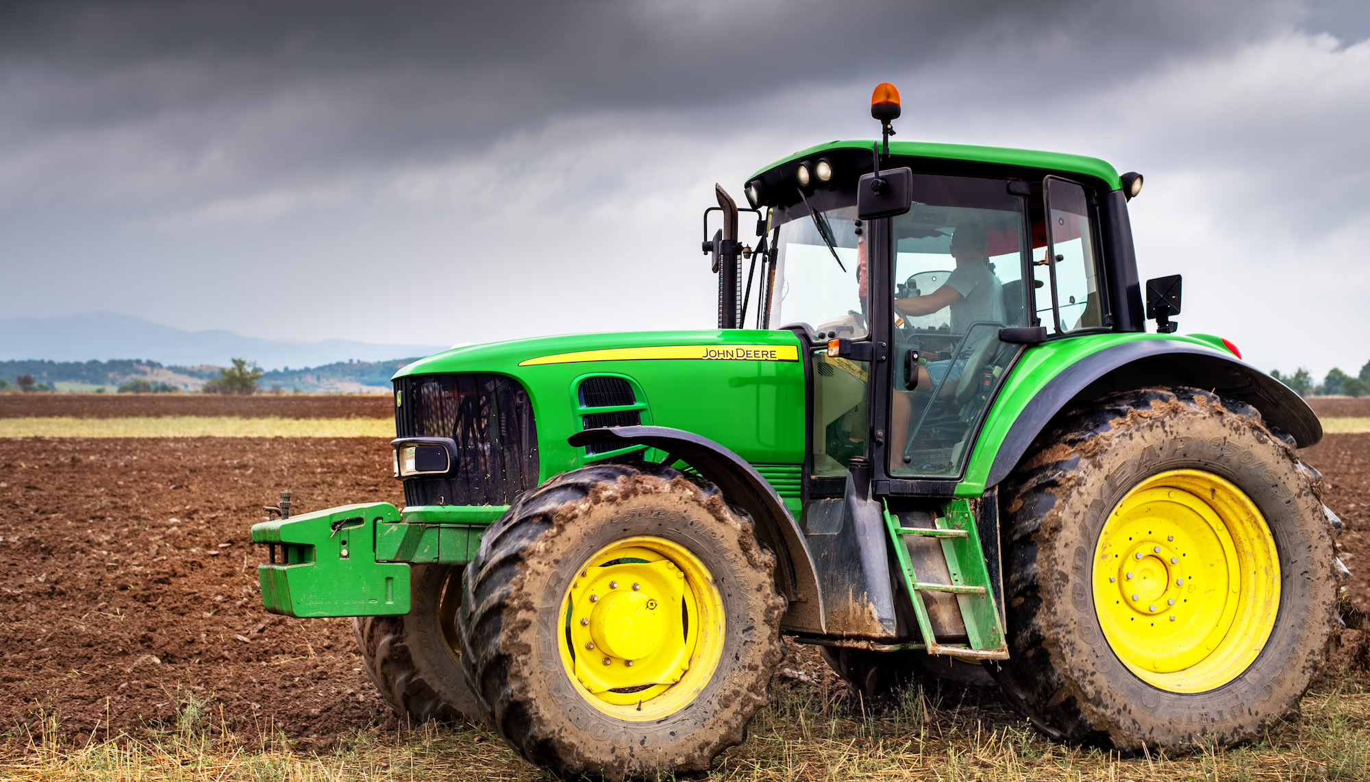 Why American Farmers Are Hacking Their Tractors With Ukrainian