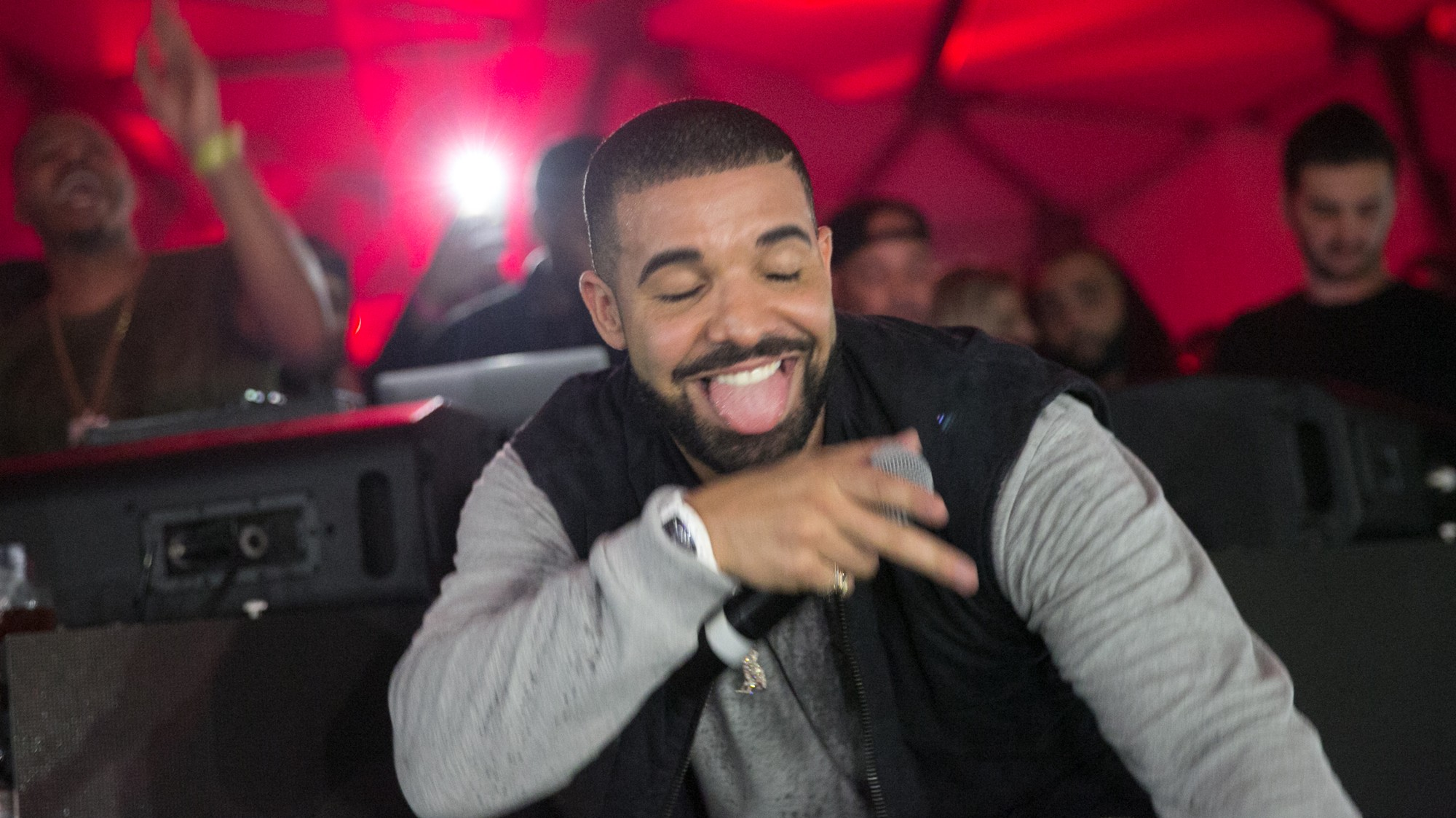 Drake's 'More Life' Is an Undeniable, Lovable Global Smash - VICE