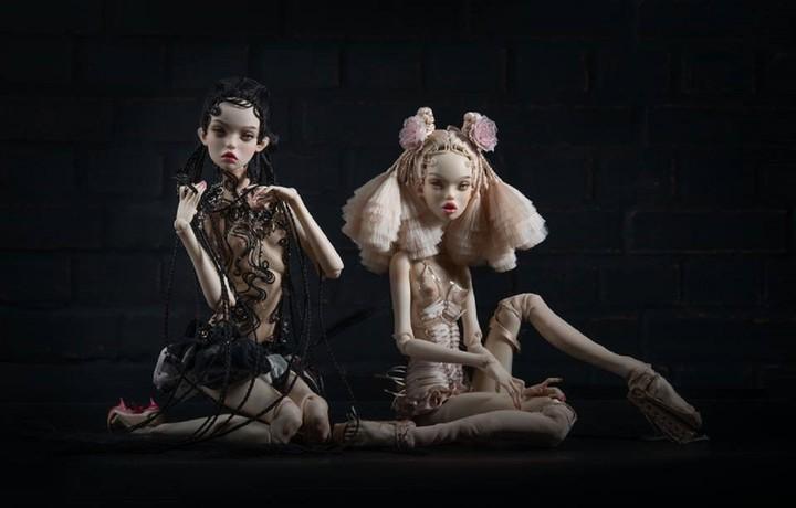5 Russian Doll Artists Creating Eerie, Hyperrealistic Handmade Toys
