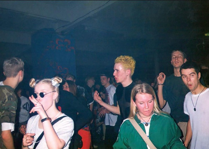 Hur 90 talets rejvscen i stockholm banade v g f r dagens for Classic underground house music 90s