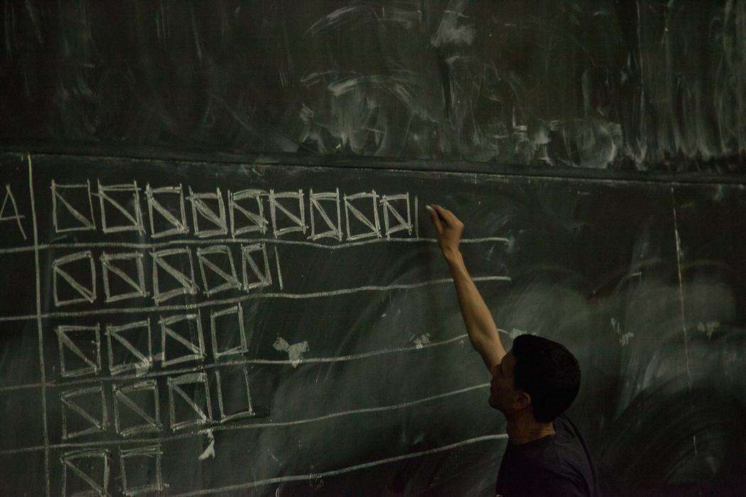 Οκτώ στους 10 Έλληνες Μαθητές Θέλουν να Δραπετεύσουν στο Εξωτερικό