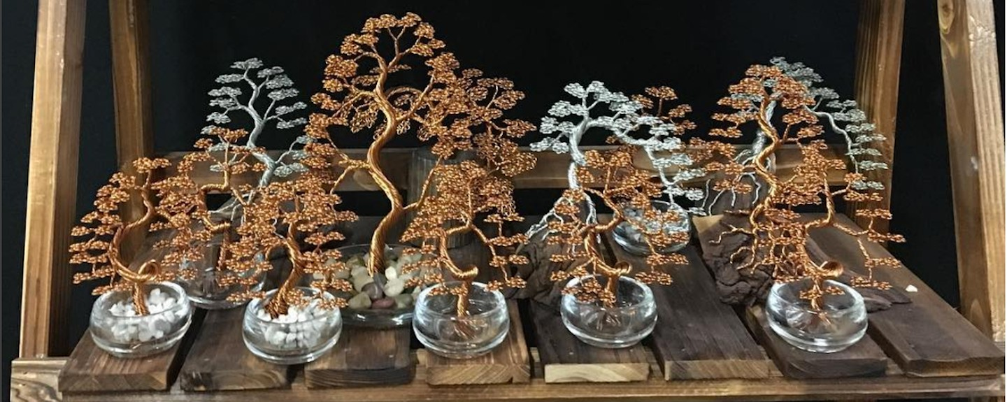 Artist Weaves Intricate Bonsai Trees With Copper And Aluminum Wire