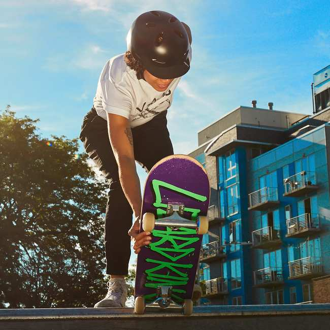 11eaba1a6ea Learning to Skateboard When You re an Adult Is Extremely Embarrassing