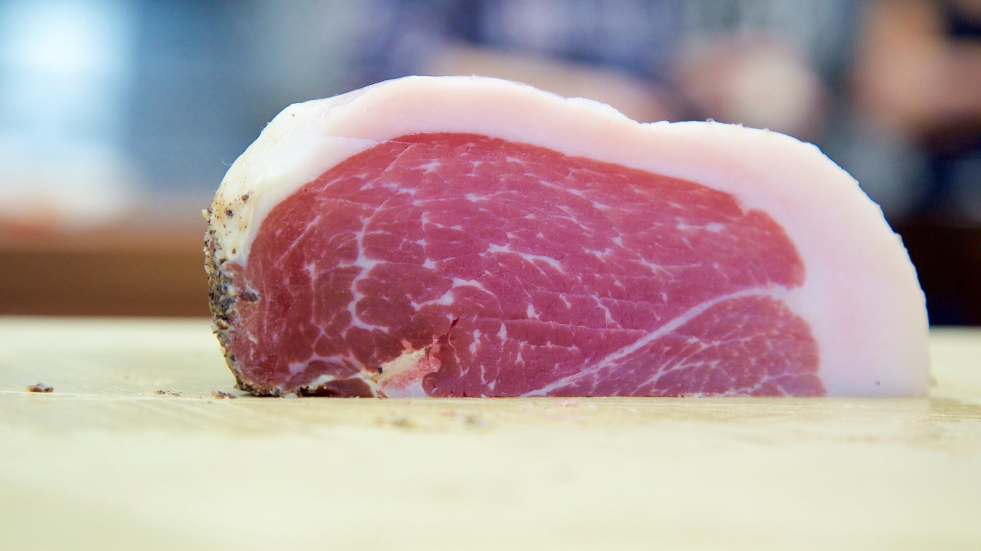Wie du aus bestem Fleisch Schinken machst