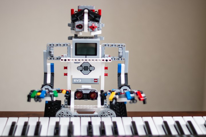 Real Musicians Evaluate Music Made by Artificial Intelligence