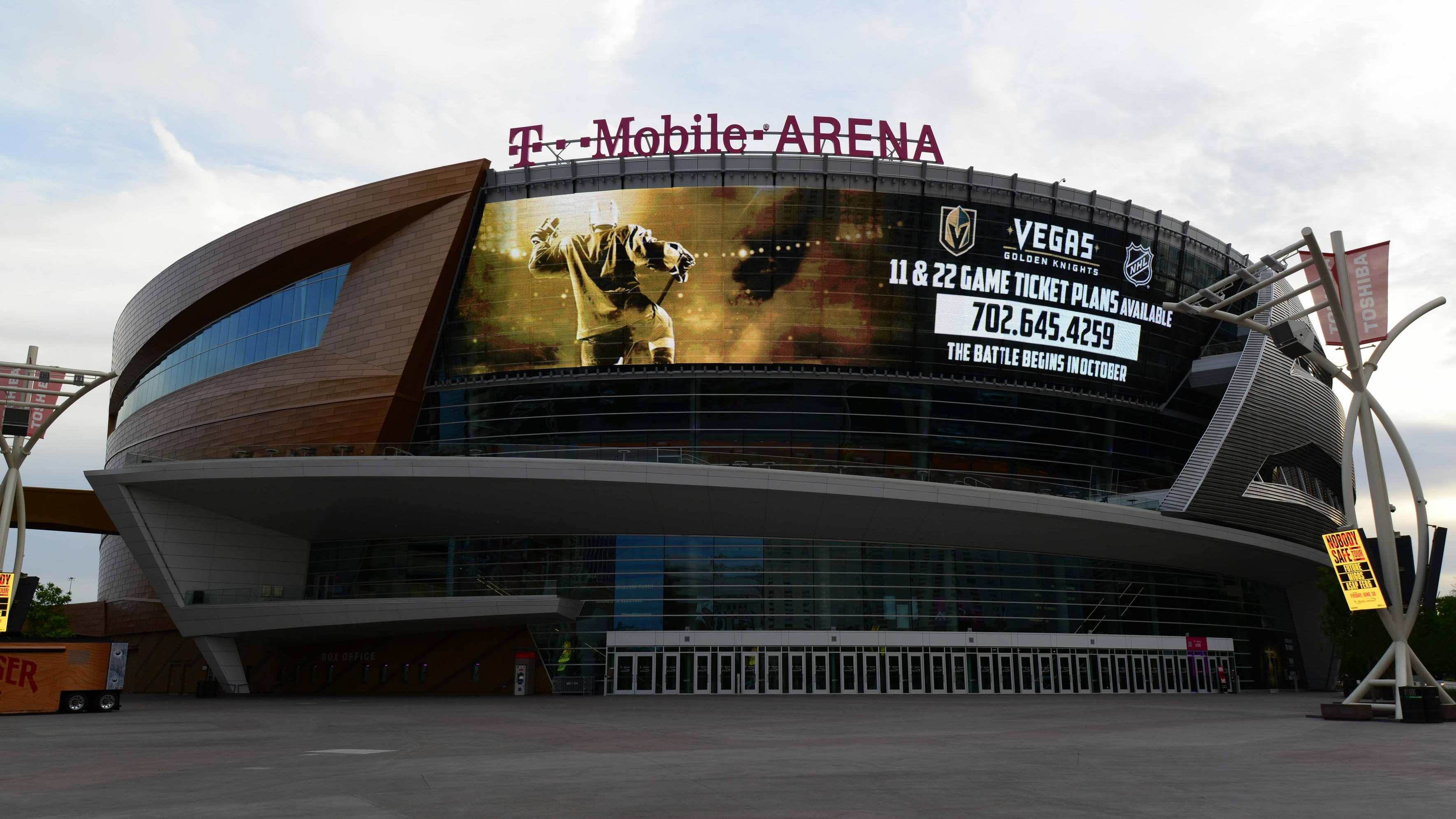 1497883646722-vegas-golden-knights-arena.jpeg?crop=1xw:0