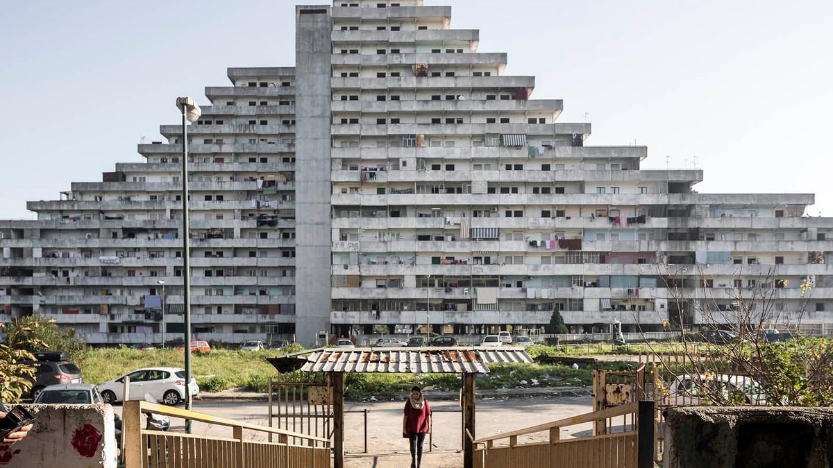 Napoli roma milano foto delle case popolari italiane vice for Case italiane