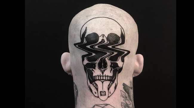 Don T Tell This Glitch Tattoo Artist What To Ink Vice