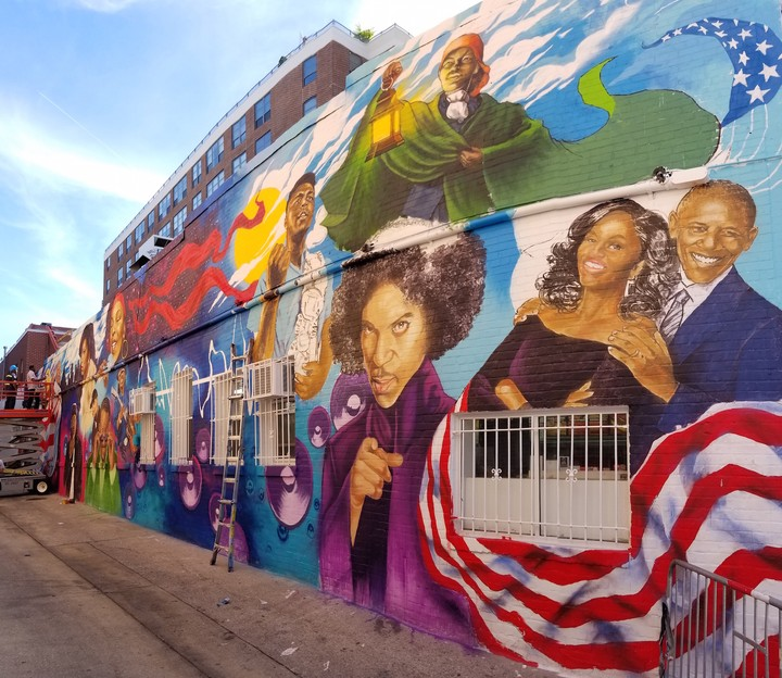 A dc mural honors 16 african american heroes throughout for African american mural