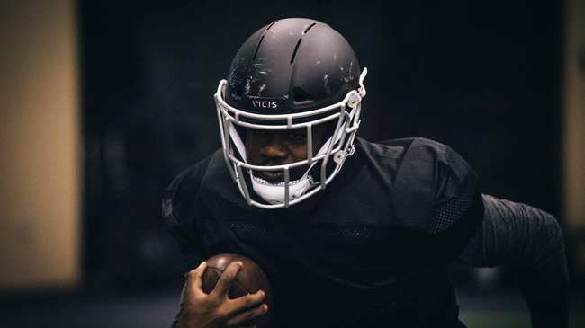 c5ad6e732a2 Safe  Helmets Can t Fix Football s Concussion Problem - Motherboard
