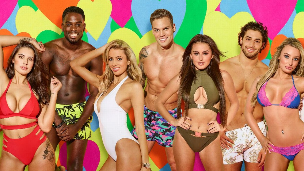 We Got Relationship Experts to Analyse Every Love Island Couple
