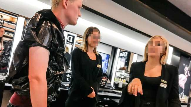 57d3fdd9f6d0 I Tested the Harrods Dress Code By Dressing Like a Complete Idiot - VICE